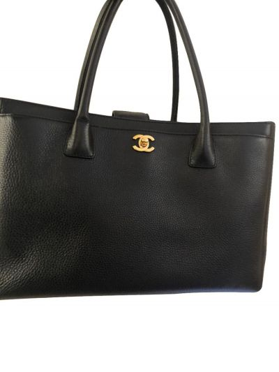 CHANEL BLACK LEATHER CERF EXECUTIVE TOTE